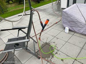 Fassadenreinigung - Tipps für das Aufsprühen des Reinigers