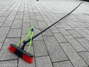Fassadenreinigung Teleskopstange Bürste Reiniger Sprüher