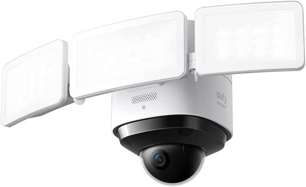 eufy Floodlight Cam 2 Pro: Überwachungskamera mit Scheinwerfer
